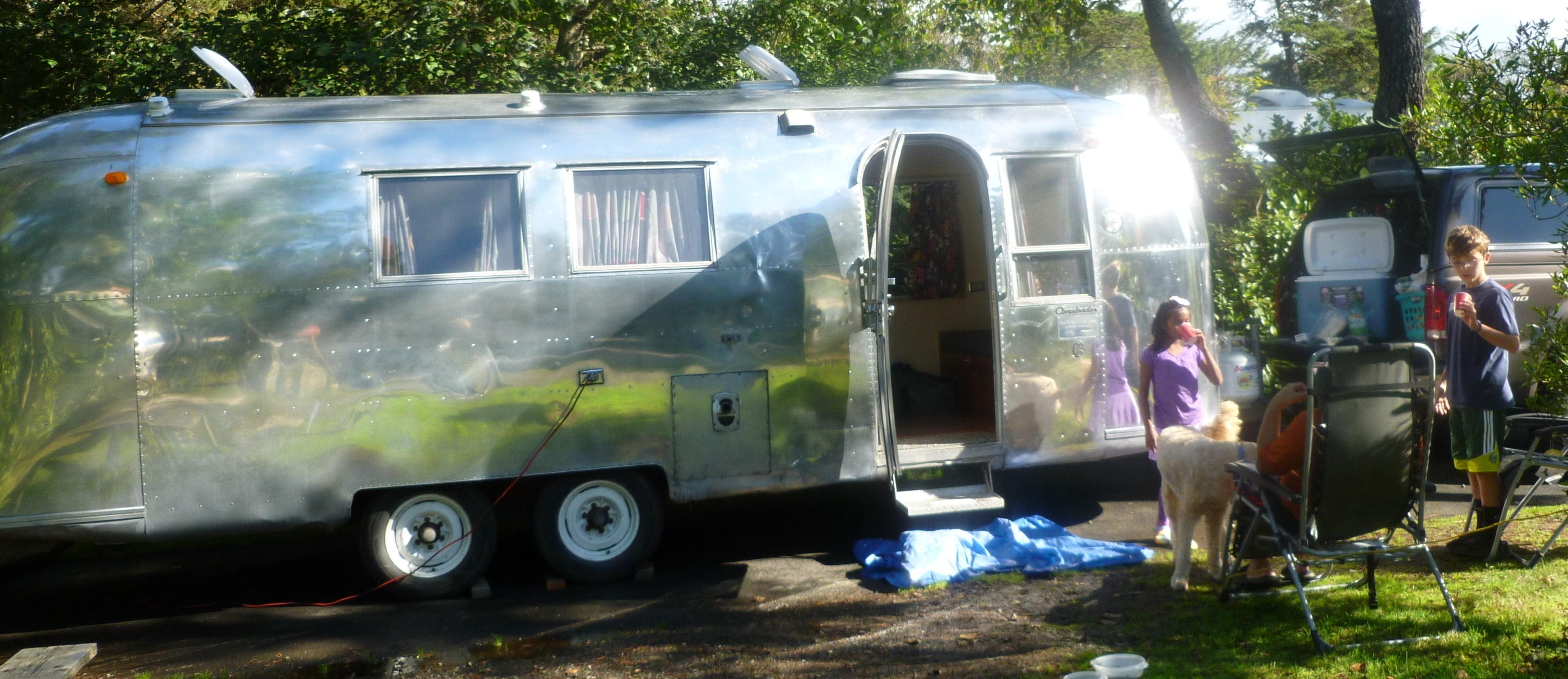 Camping Trailers Rentals With Cool Styles In Thailand Http Backgroundpicturesfeedionet Electricalwirediagrams Keystone Rv Springdale Travel For 2016 Car